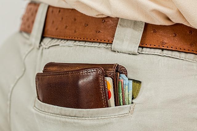 peněženka v zadní kapse.jpg